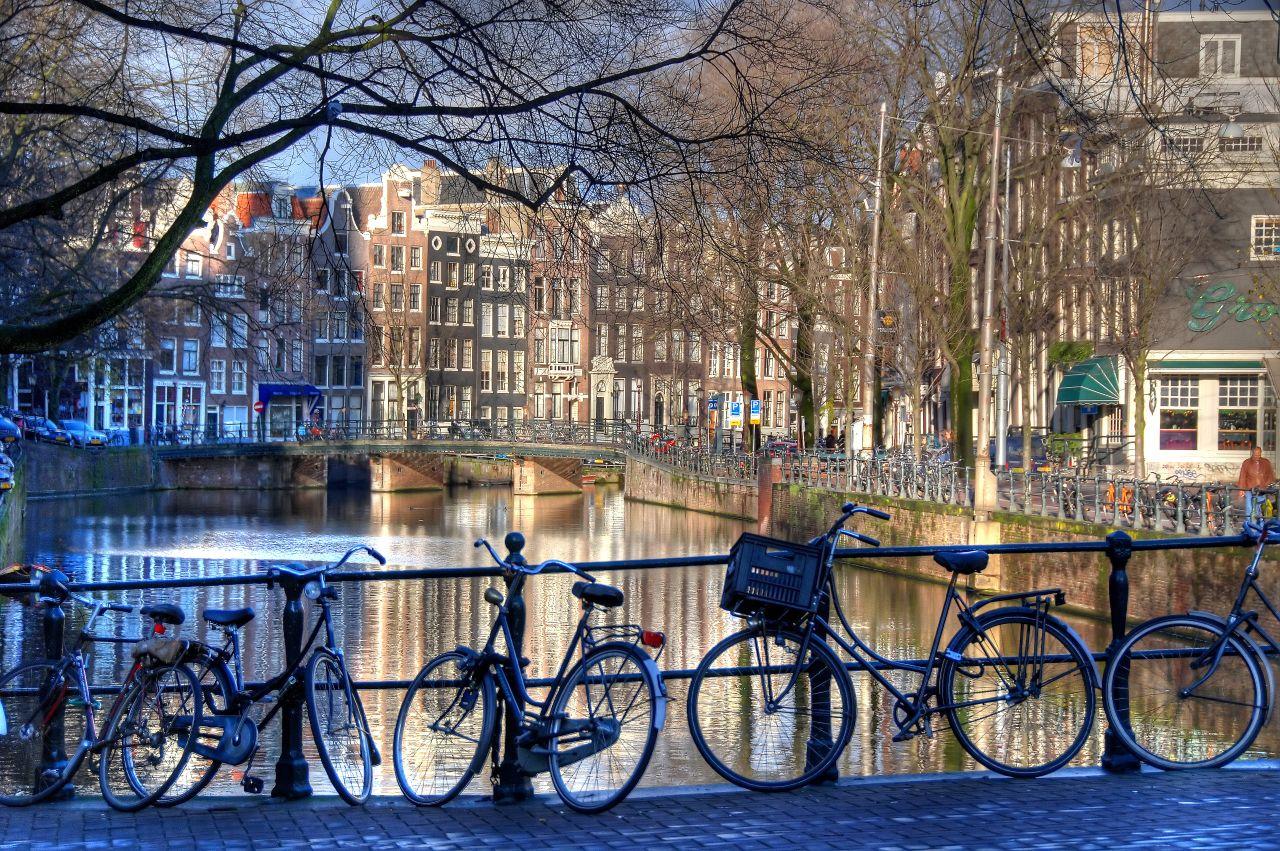 Kerékpárral Amszterdamba